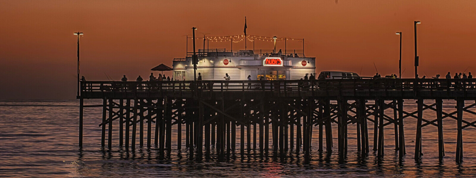YachtLife's top Yachting Activities in Newport Beach - Balboa Pier - Ruby's