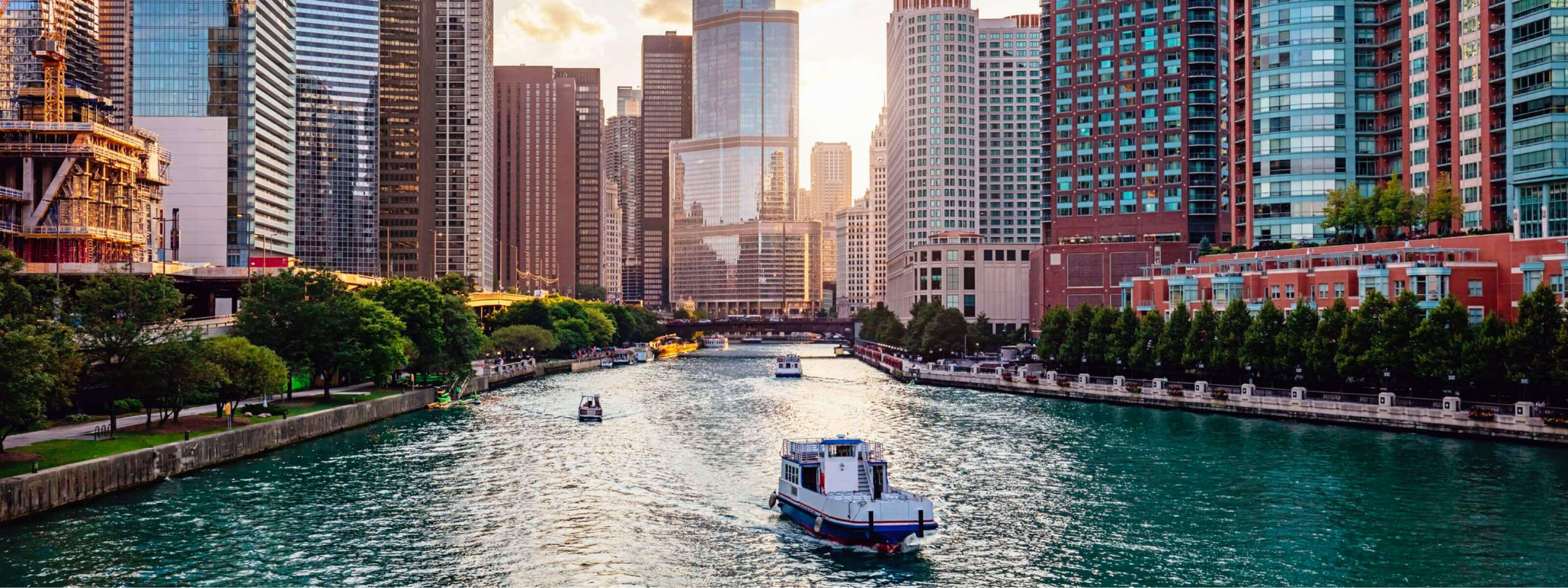 YachtLife's top Yachting Activities in Chicago - Chicago River