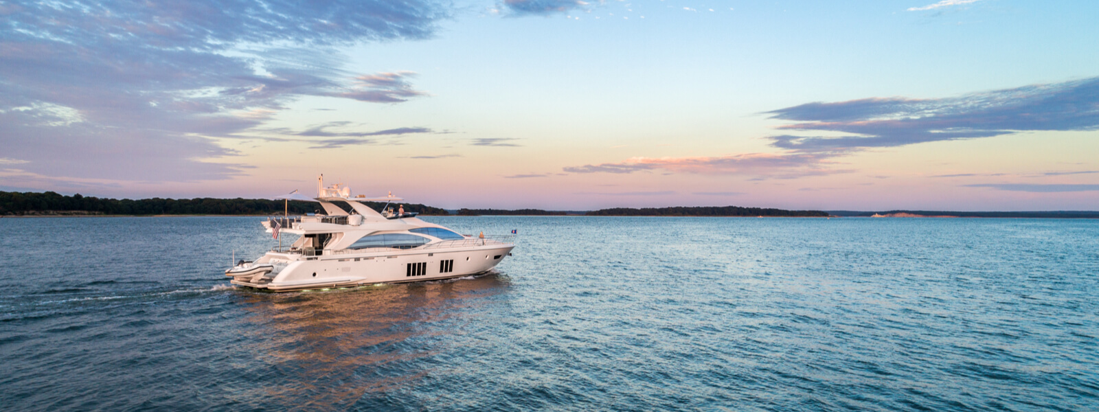 YachtLife 84' Azimut Fly Yacht for rent